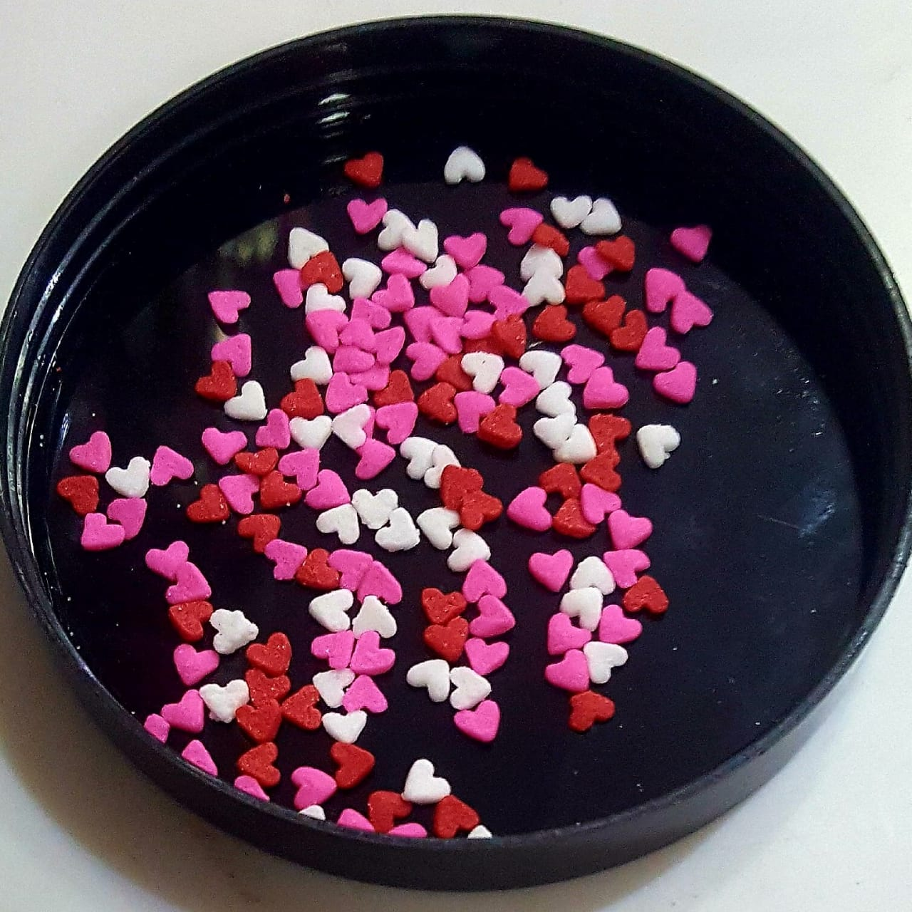 CDP015 - Mini Hearts Red White Pink Sprinkles Confetti 250gm