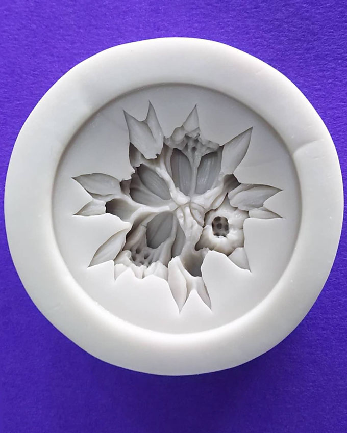 Silicon Beautiful Flower Fondant Mold Size 7cm
